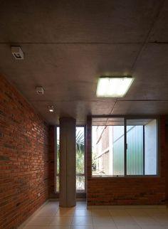 Galeria de Edificio Rosas 121 / - = + x - - 14