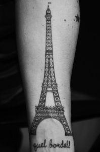 Torre Eiffel & Frase: Guel Bordel