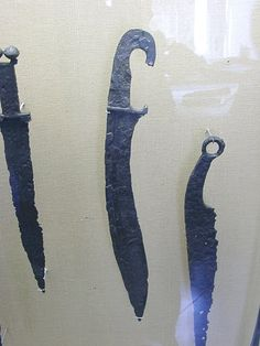 Gladius, kopis and another blade, from Iberia. Ancient Armor, Celtic Warriors, Spade, Game Props, Swords And Daggers, Iron Age, Ancient Greece, Knifes, Middle Ages