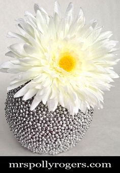 DIY Silver Textured Vase: made from a dollar store glass vase, mung beans and spray paint!