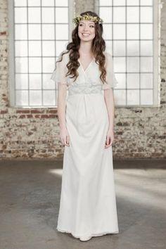 Keine Lust auf ein Brautkleid von der Stange? Dann kommen diese Brautkleider im nostalgischen Look der Zwanziger, Fünfziger & Co. wie gerufen...
