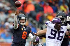Jay Cutler leads huge late drive, hits Martellus Bennett for Chicago Bears' game-winner Jay Cutler, Nfl News, Seattle Seahawks, Chicago Bears, Football Helmets, Sports, Cute, Hs Sports, Kawaii