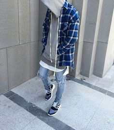 Stretwear Dubai Daily Streetwear Outfits Tag to be featured DM for promotional requests Moda Streetwear, Style Streetwear, Streetwear Fashion, Dope Fashion, Urban Fashion, Daily Fashion, Fashion Men, Street Fashion, Urban Apparel
