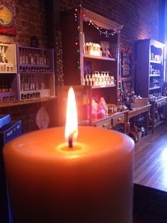 Emz Blendz Cozy Soap Shop. Ashland Oregon. Naturally Handcrafted beeswax candles.