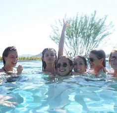 Elizabeth Gillies, Marie Gomez, Beauty Queens, Powerful Women, Selena Gomez, Movie Tv, Bff, Woman Power, Concert