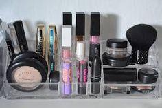 Billedresultat for teenage værelse pige Knife Block, Bookends, Makeup, Bathroom, Home Decor, Make Up, Washroom, Decoration Home, Room Decor