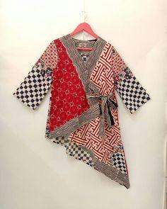 Untitled Batik Kebaya, Kebaya Dress, Blouse Batik, Batik Dress, Batik Fashion, Boho Fashion, Latest Kurti Styles, Batik Mode, Fancy Kurti