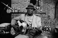 「blues guitarist」の画像検索結果