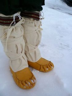 Traditional mukluks. My feet will never be bitter cold again! - I am so making these!