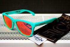 Oakley Frogskins X FICE I WANT WANT WANT THESE SOO SO SOOO BAD!!!!
