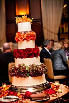 Great fall wedding cake decoration idea, using ombre flowers. ***graduated color and layer of cake layer of flower look Fall Wedding Cakes, Wedding Cake Decorations, Autumn Wedding, Wedding Cake Toppers, Rustic Wedding, Floral Decorations, Tuscan Wedding, Wedding Desserts, Trendy Wedding
