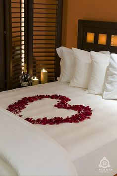 Unique Romantic Bedroom Designs as Your Honeymoon Space