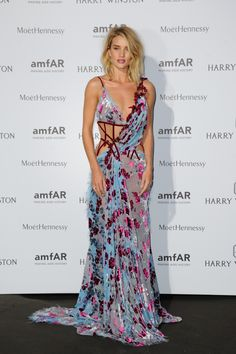 Rosie Huntington-Whiteley au dîner de l'amfAR