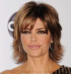 *Lisa Rinna has an iconic brunette shag. With its choppy layers and rich highlights, it's an age-appropriate way to wear an easy medium-length hairstyle that is perpetually youthful. Shag Hairstyles, Pretty Hairstyles, Brunette Hairstyles, Lisa Rinna Haircut, Medium Hair Styles, Short Hair Styles, Medium Brunette Hair, Shaggy Short Hair, Short Hair Cuts For Women