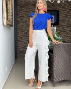 New Outfits, Dress Outfits, Girl Outfits, Abaya Fashion, Fashion Dresses, Two Piece Outfit, One Piece, Summer Wear, Fashion 2020
