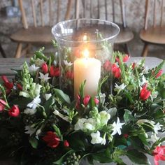 <p>Decorate your festive table with one of our Christmas table centres. Available in willow or fresh flowers, with or without a hurricane lamp, these are a beautiful way to delight your family and other guests, as well as yourself, this festive season.</p>