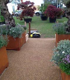Eco Resin Bound Surfacing on Todd's Botanics stand GPF18 #RHSChelsea @ToddsBotanics @Eco_Bound