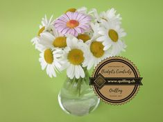 Lots of real daisies and one quilling daisy, can you find the quilling daisie? Quilling Flowers, Flower Tutorial, Step By Step Instructions, Daisies, Glass Vase, Canning, How To Make, Margarita Flower, Daisy