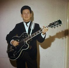 Roy Orbison with his Gretsch/Gibson/Sho-bud Guitar Photographed by Al Willis in 1967.
