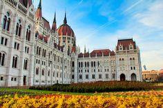 Porção esquerda do edifício do Parlamento Húngaro, em Budapeste. http://fuievouvoltar.com
