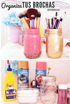 Organizar brochas de maquillaje distrito belleza