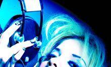 """La manabita Johanna Carreño presentó su nueva canción, titulada 'Duende real', con la que se estrena como compositora.  El nuevo sencillo habla sobre la realidad del amor. """"Las mujeres no necesitamos un hombre alto y guapo, un príncipe azul para ser felices, sino alguien que nos ame de verdad"""", señaló la exnovia de Daniel Parra. Ver más en: http://www.elpopular.com.ec/46641-johanna-busca-a-su-%E2%80%98duende-real%E2%80%99.html"""