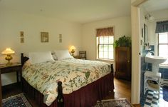 Brampton Bed and Breakfast ~ Fairy Hill a peek at the bathroom (complete with an air-jetted bathtub/shower combo!!!) #bramptoninn #bedandbreakfast