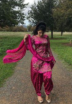 Punjabi Fashion, Indian Fashion, Men's Fashion, Fashion Outfits, Punjabi Dress, Punjabi Suits, Salwar Suits, Indian Dresses, Indian Outfits