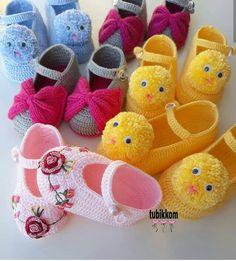 the fine detail . Crochet Sandals, Crochet Baby Shoes, Crochet Baby Booties, Crochet Slippers, Knit Crochet, Baby Shoes Pattern, Baby Patterns, Knitting Socks, Baby Knitting