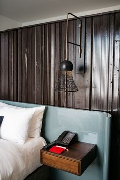 Inside the Foundation Hotel in downtown Detroit - Curbed Detroit Designer Hotel, Casa Hotel, Design Living Room, Design Room, Wall Design, Log Home Decorating, Decorating Kitchen, Koh Chang, Hotel Decor