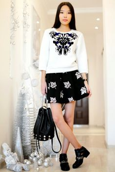 THE PATTERNS ON THE SWEATSHIRT - Click for Aibina's Blog in Music Ambiance http://gv.lauderlis.net/aibinas_blog_4.php
