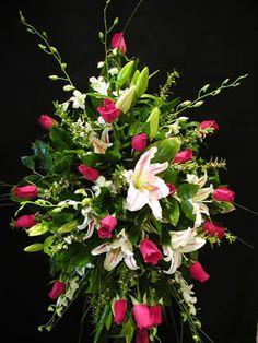 Funeral Flower Arrangements, Memorial Flowers, Sympathy Gifts, Fuji, Floral Design, Plants, Floral Arrangements, Kunst, Floral Patterns