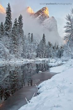 Winter travel to Yosemite National Park gives you a new perspective on this U. This photo: Winter on the Merced, Yosemite National Park, California Winter Szenen, Winter Magic, Winter Travel, Winter Light, Yosemite National Park, National Parks, Winter Photography, Nature Photography, Yellowstone Nationalpark