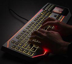 + Design de produto :     Um teclado do Star Wars com um touchpad de LCD.