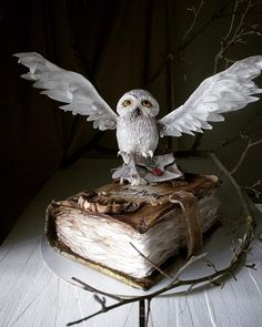 35 Cakes Sinful to Eat: Cakes by Elena Gnut, фото № 31 Gateau Harry Potter, Harry Potter Birthday Cake, Harry Potter Food, Harry Potter Wedding, Harry Potter Theme, Fancy Cakes, Cute Cakes, Gorgeous Cakes, Amazing Cakes