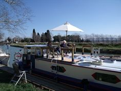 Classified on RootstockAds : barge charter