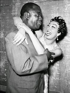 Josephine Baker (French Entertainer) and Louis Armstrong (American Trumpeter) Josephine Baker, Louis Armstrong, Jimi Hendricks, Vintage Black Glamour, Jazz Musicians, Jazz Artists, Blues Artists, Music Artists, Jazz Blues