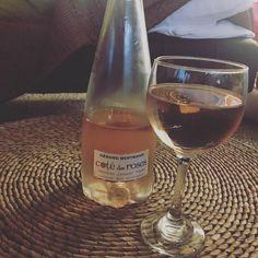 Cheers! #happyhour #cotedesroses #wine #gerardbertrand #rose #rosewine #grenache #cinsault #syrah #languedoc #suddefrance #2015 #glass #cheers
