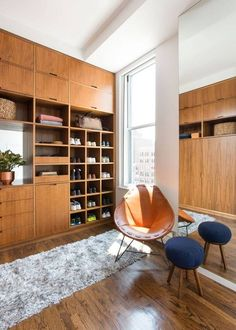 6 Tricks for the Most Organized Closet Ever: keep your shelves at eye level