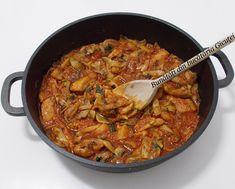 Tocanita cu ciuperci si pulpe de pui dezosate - Bunătăți din bucătăria Gicuței