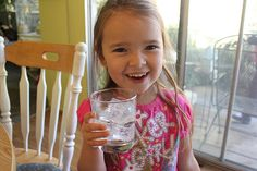 Lukewarm Ice: This crafty prank from Alpha Mom requires a little more work than most pranks, but it& guaranteed to make the kids laugh. Easy April Fools Pranks, April Fools Day, Pranks For Kids, Good Pranks, Water Ballon Fight, Ice Crafts, Balloon Surprise, Bowl Of Cereal, Kids Laughing