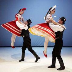 Folk Costume, Costumes, Folk Clothing, Guache, Folk Dance, Beautiful Dresses, Beautiful Ladies, Just Dance, Art And Architecture