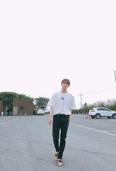 Jin ❤ [BTS Tweet] Visual where? Visual here, visual there. Visualssss fUCKinG everYwhEre~ #BTS #방탄소년단