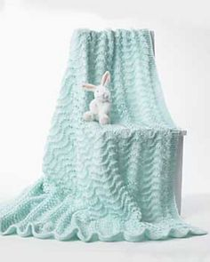 Crochet Baby Blanket Free easy knitting pattern for Ripple Lace Baby Blanket - Designed by Bernat, this pattern is rated easy by the designer and knitters. Approx 38 x 40 ins x cm]. - Visit the post for more. Easy Knit Baby Blanket, Free Baby Blanket Patterns, Baby Shawl, Blanket Yarn, Knitted Baby Blankets, Baby Knitting Patterns, Baby Patterns, Free Knitting, Crochet Patterns