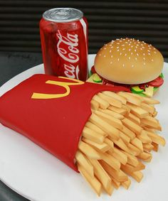 Speechless AGAIN. (smh) This is ALL cake, w/fondant fries. The can of coke was most challenging for me as it had to be painted. You need to find the right mix of red (gel or liquid) to get the color right. It is a Cake Pretty Cakes, Cute Cakes, Beautiful Cakes, Yummy Cakes, Amazing Cakes, 3d Cakes, Fondant Cakes, Cupcake Cakes, Fondant Bow