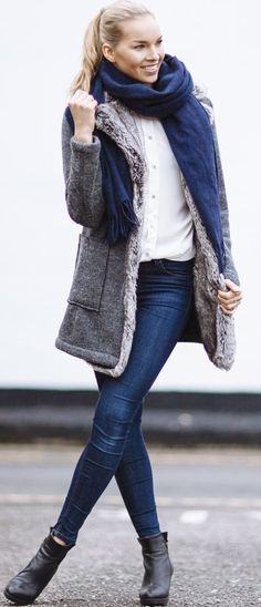 Vilma P. Shearling Coat Fall Street Style Inspo