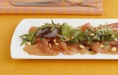 Carpaccio de atún con mojo de ajo por Chef Michelle Bernstein