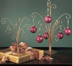 Ornament Trees Gold Metal Beautiful For Displaying A Small Collection Of Themed