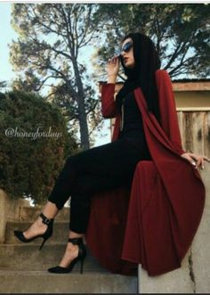 The hijab fashion seems to have gotten bigger and better as time goes by, exploiting every unique area of the female fashion thereby making the hijab fashion fun and flexible in a decent way. Modest Wear, Modest Dresses, Modest Outfits, Modest Fashion, Fashion Dresses, Muslim Women Fashion, Islamic Fashion, Latest Fashion For Women, Female Fashion
