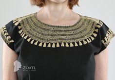 Blusa de manta de manga corta con diseño maya bordado en por Zoatl